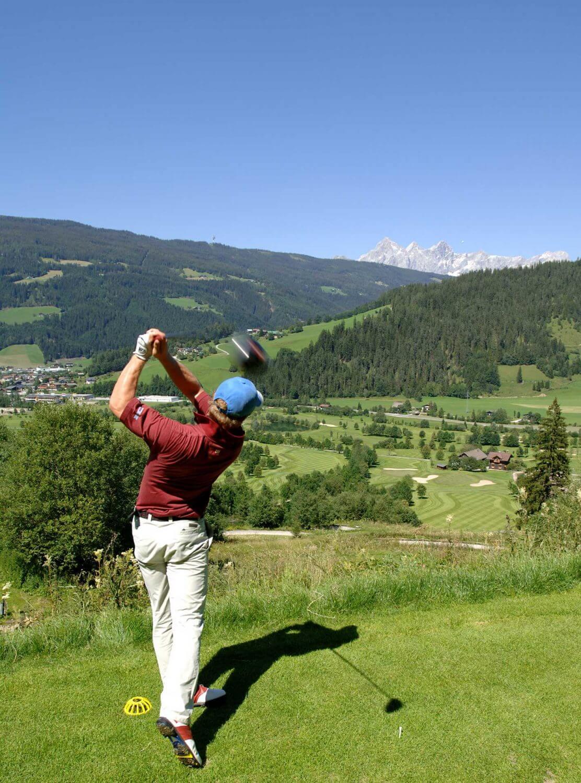 Golfclub Radstadt Abschlag ins Tal