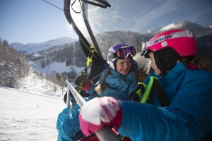 Familie mit Kindern Winter